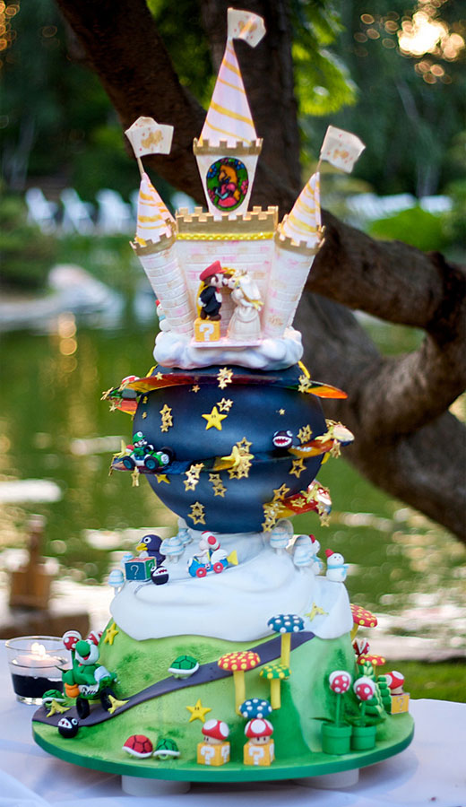 crazy-wedding-cake-themes